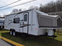Used 2014  Forest River Shamrock 23SS by Forest River from Diamond RV Centre, Inc. in West Hatfield, MA