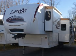 Used 2011  Keystone Laredo 266RL by Keystone from Diamond RV Centre, Inc. in West Hatfield, MA