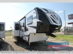 New 2017  Dutchmen Voltage V3895 by Dutchmen from ExploreUSA RV Supercenter - KYLE, TX in Kyle, TX
