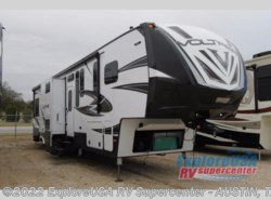 New 2017  Dutchmen Voltage V3995 by Dutchmen from ExploreUSA RV Supercenter - KYLE, TX in Kyle, TX