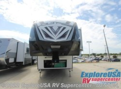 New 2017  Dutchmen Voltage V3895 by Dutchmen from ExploreUSA RV Supercenter - DENTON, TX in Denton, TX
