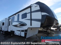 New 2017  Dutchmen Voltage V3975 by Dutchmen from ExploreUSA RV Supercenter - DENTON, TX in Denton, TX