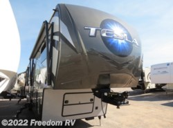 Used 2015  EverGreen RV  Tesla 3970 by EverGreen RV from Freedom RV  in Tucson, AZ
