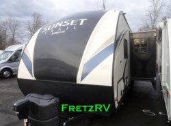 New 2017  CrossRoads Sunset Trail Travel Trailer ST264BH by CrossRoads from Fretz  RV in Souderton, PA