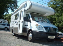 Used 2008  Gulf Stream  Vista Mini Cruiser by Gulf Stream from Fuller Motorhome Rentals in Boylston, MA