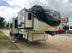 Used 2016 Keystone Alpine 3660FL available in Nacogdoches, Texas
