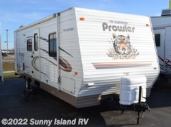 Used 2005  Fleetwood Prowler  270FQS by Fleetwood from Sunny Island RV in Rockford, IL