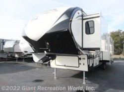 Used 2014  Forest River  BROOKSTONE 325RL by Forest River from Giant Recreation World, Inc. in Winter Garden, FL