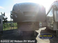 New 2016  Shasta Phoenix 35BH by Shasta from AC Nelsen RV World in Omaha, NE