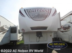 Used 2011  Keystone Laredo 321BH by Keystone from AC Nelsen RV World in Omaha, NE