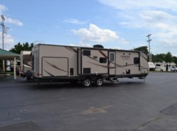 Used 2015  Prime Time Tracer 3200 BHT by Prime Time from Delmarva RV Center in Milford, DE