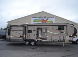Used 2014  Coachmen Chaparral Signature 327RLTS by Coachmen from Delmarva RV Center in Milford, DE