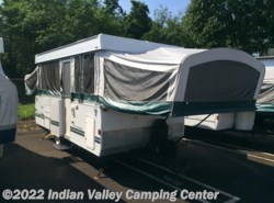 Used 2004  Fleetwood Trailers Americana HEMLOCK by Fleetwood Trailers from Indian Valley Camping Center in Souderton, PA