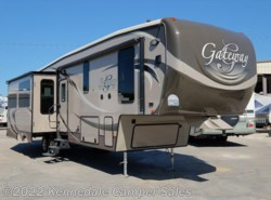 Used 2015  Heartland RV Gateway 3200RS 37' by Heartland RV from Kennedale Camper Sales in Kennedale, TX