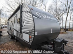 New 2017  Coachmen Catalina 323BHDSCKLE by Coachmen from Keystone RV MEGA Center in Greencastle, PA