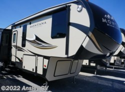 New 2016 Keystone Montana High Country 310RE available in Duncansville, Pennsylvania