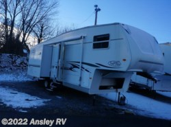 Used 2003  R-Vision Trail-Bay 527DKSS by R-Vision from Ansley RV in Duncansville, PA