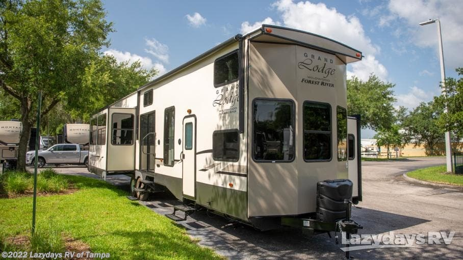 2020 Forest River RV Wildwood Grand Lodge 42DL for Sale in Seffner, FL  33584 | 21041225