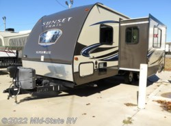 Used 2013  CrossRoads Sunset Trail Super Lite 220RB by CrossRoads from Mid-State RV Center in Byron, GA