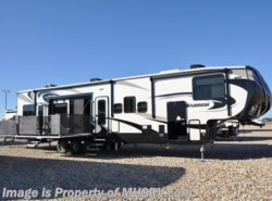 New 2017  Heartland RV Road Warrior RW427 Bath & 1/2, Bunk Bed, Res Fridge, King by Heartland RV from Motor Home Specialist in Alvarado, TX