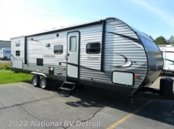 New 2017  Coachmen Catalina Legacy Edition 293QBCK by Coachmen from National RV Detroit in Belleville, MI