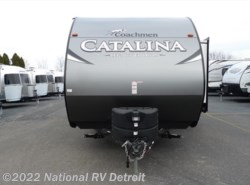 New 2017  Coachmen Catalina Legacy Edition 223RBS by Coachmen from National RV Detroit in Belleville, MI