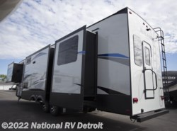 New 2018 Keystone Avalanche 395BH available in Belleville, Michigan