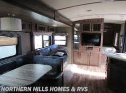 Used 2016  Dutchmen Aerolite 282DBHS by Dutchmen from Northern Hills Homes and RV's in Whitewood, SD