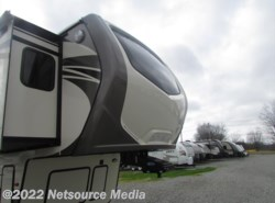 New 2017  Keystone Montana 3711FL by Keystone from Northgate RV Center in Alcoa, TN
