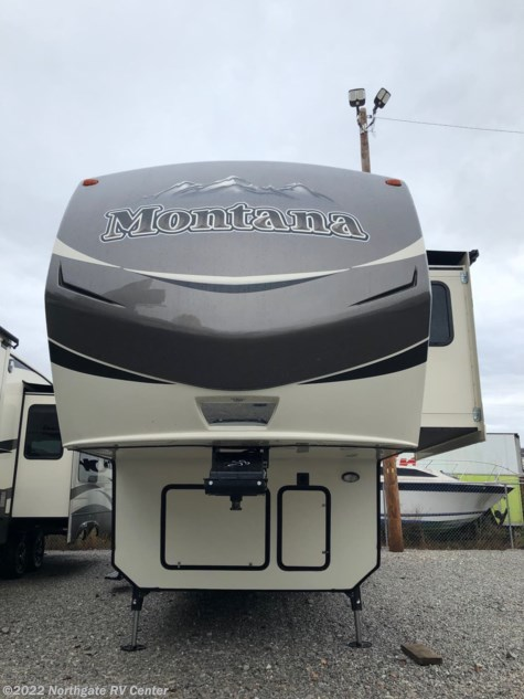 2016 Keystone Montana 3000RE