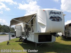 Used 2012  Forest River Silverback 35QB4 by Forest River from Ocean RV Center in Ocean View, DE