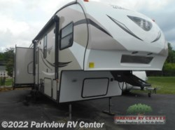 Used 2015  Keystone Hideout 299RLDS by Keystone from Parkview RV Center in Smyrna, DE