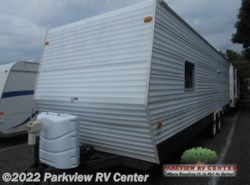 Used 2006  Coachmen Spirit of America 32BHS by Coachmen from Parkview RV Center in Smyrna, DE