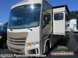 Used 2017  Forest River Georgetown 3 Series 30X3 by Forest River from Parkview RV Center in Smyrna, DE