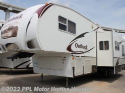 Used 2009  Keystone Outback Sydney 31FQBHS by Keystone from PPL Motor Homes in Houston, TX