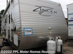 Used 2013  CrossRoads Zinger 32QB by CrossRoads from PPL Motor Homes in Houston, TX
