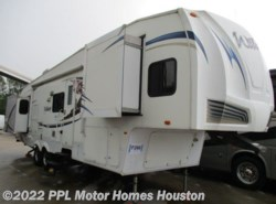Used 2011  Forest River Wildcat 32QBT by Forest River from PPL Motor Homes in Houston, TX