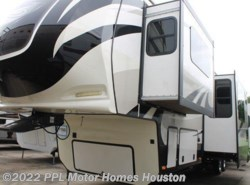 Used 2015  Dutchmen Infinity 3810FL by Dutchmen from PPL Motor Homes in Houston, TX