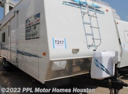 Used 2005  Weekend Warrior  FS2600 by Weekend Warrior from PPL Motor Homes in Houston, TX