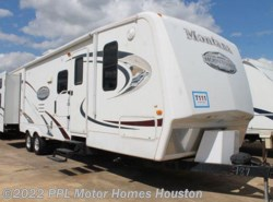 Used 2009  Keystone Mountaineer 34DBT by Keystone from PPL Motor Homes in Houston, TX