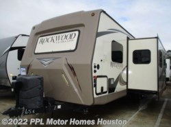 Used 2016  Forest River Rockwood Ultra Lite 2607A by Forest River from PPL Motor Homes in Houston, TX