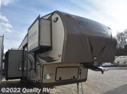 Used 2014  Forest River  8289WS ROCKWOOD SIGNATURE ULTRA LITE by Forest River from Quality RV, Inc. in Linn Creek, MO