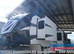 New 2017  Dutchmen Voltage V4155 by Dutchmen from ExploreUSA RV Supercenter - SAN ANTONIO, TX in San Antonio, TX