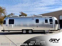 New 2018 Airstream Classic 30RB available in Baton Rouge, Louisiana