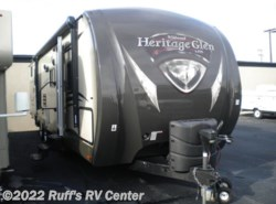 Used 2014  Forest River  Heritage Glen 312QBUD by Forest River from Ruff's RV Center in Euclid, OH