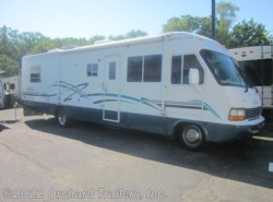 Used 2000  Damon Daybreak 3270 by Damon from Orchard Trailers, Inc. in Whately, MA