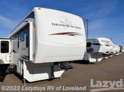 Used 2009  Dutchmen Grand Junction 34TRG by Dutchmen from Lazydays RV America in Loveland, CO