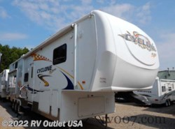 Used 2007  Heartland RV Cyclone 3795 by Heartland RV from RV Outlet USA in Ringgold, VA