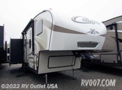 New 2016  Keystone Cougar XLite 28SGS by Keystone from RV Outlet USA in Ringgold, VA