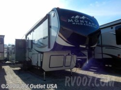 New 2016  Keystone Montana High Country 353RL by Keystone from RV Outlet USA in Ringgold, VA
